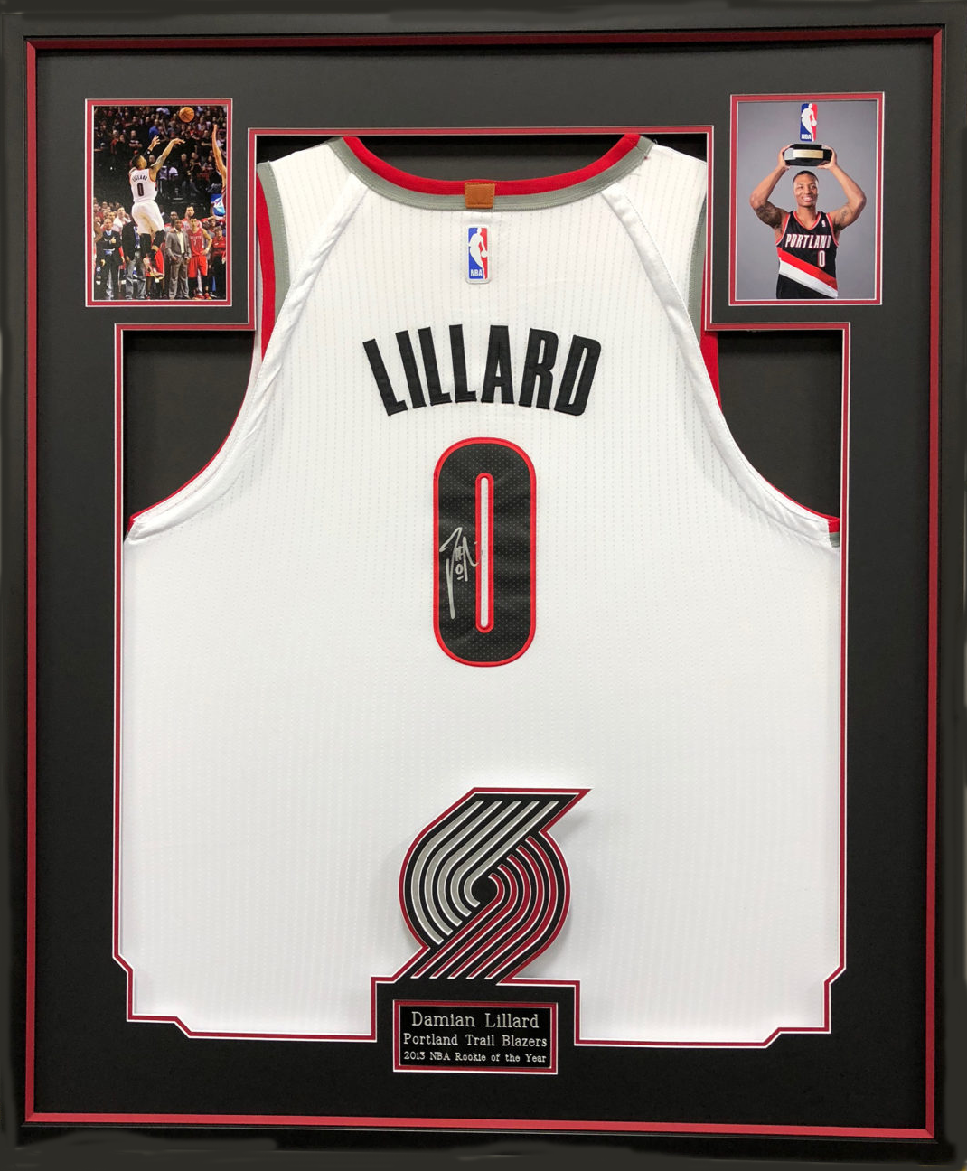 huge selection of 4a611 93582 Damian Lillard Jersey, Signed - 30x36